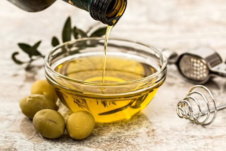 Olive oil salad dressing for the Mediterranean diet custom meal plan