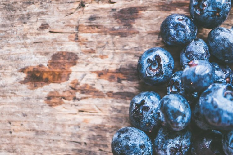 Blueberries for Summer Fresh Vegetarian Diet - Custom meal plan
