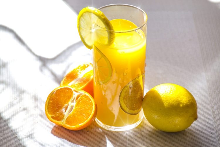 Healthy orange lemon drink boosting Anti Inflammatory Diet - Custom meal plan