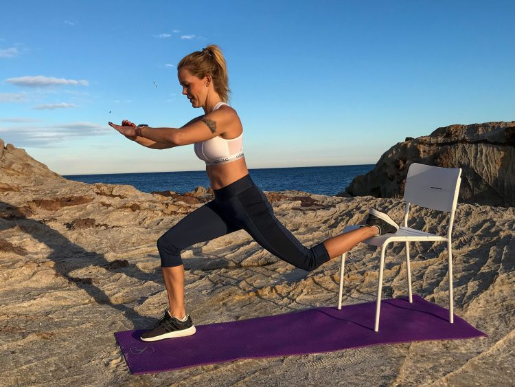 Teija is doing workout video in costa del sol and giving perfect tips for calisthenics workout at home